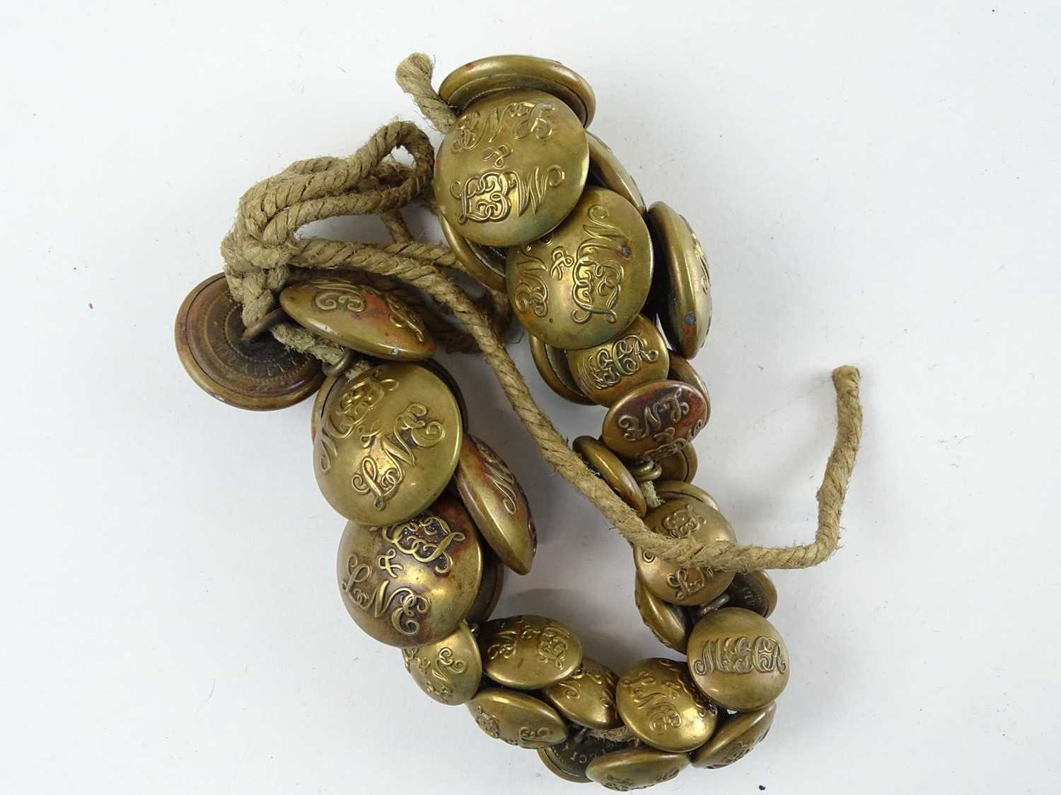 A quantity of brass uniform buttons - all appear to be for the Metropolitan Railway and associated - Image 4 of 6