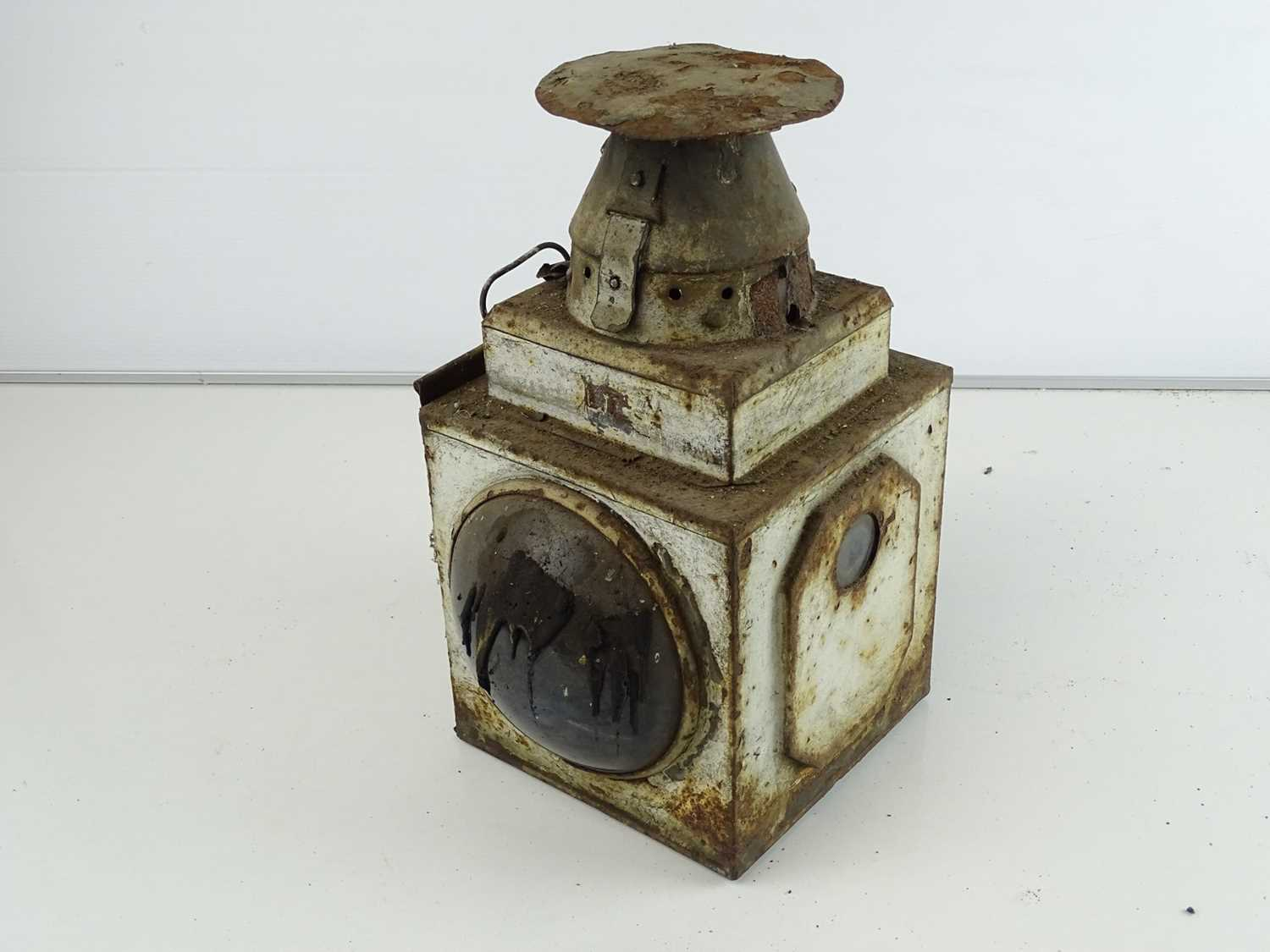 A pair of railway lamps (2) - Image 2 of 3