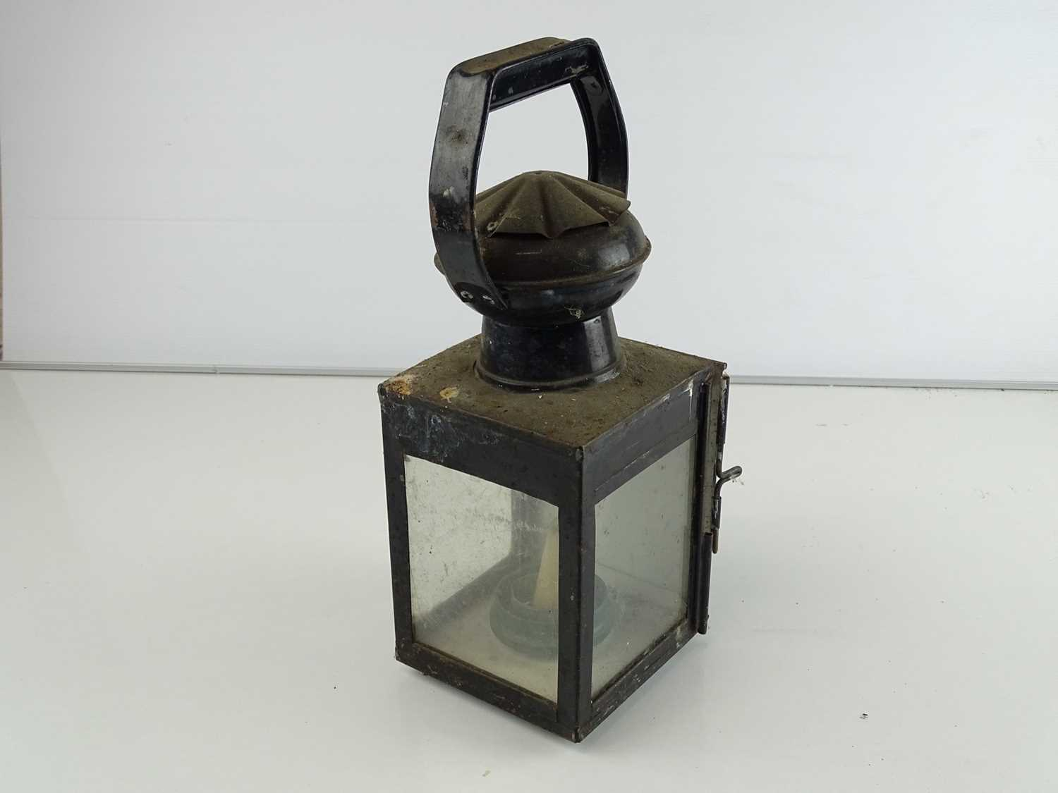 A mixed group of railway lamps (4) - Image 4 of 8