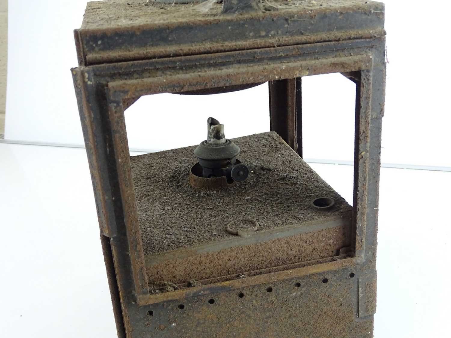 A mixed group of railway lamps (4) - Image 3 of 8