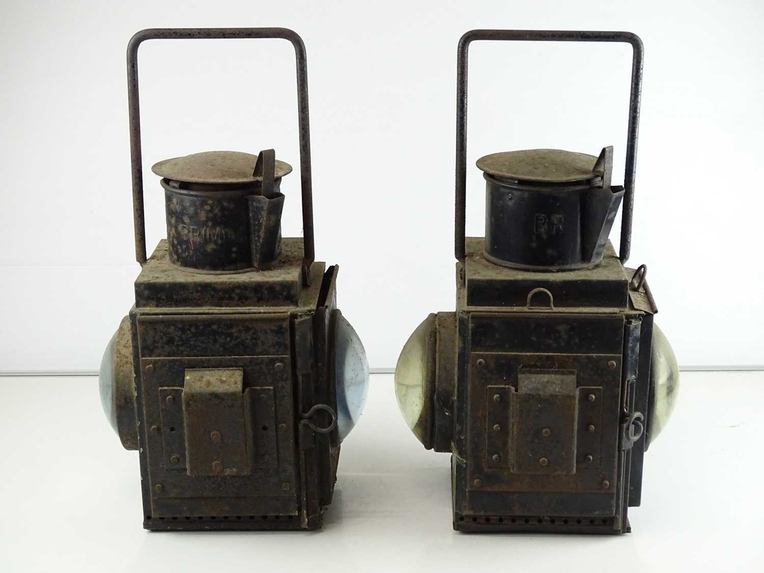 A pair of railway goods train side lamps (2) - Image 2 of 4