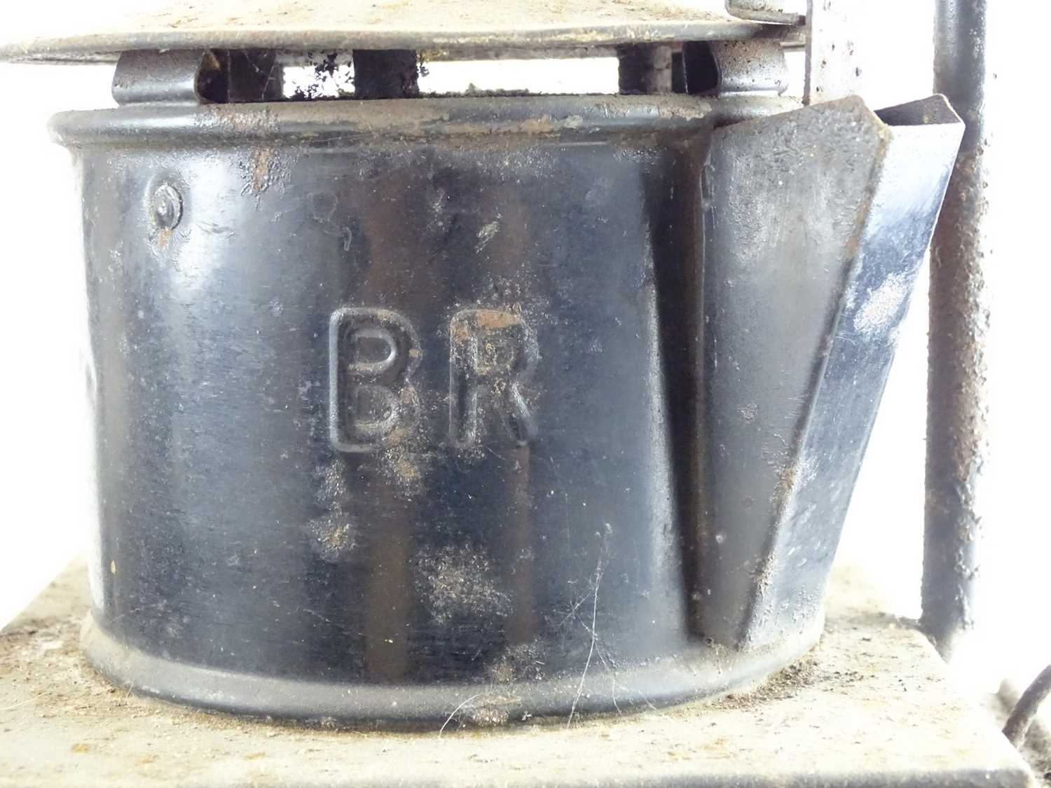 A pair of railway goods train side lamps (2) - Image 4 of 4