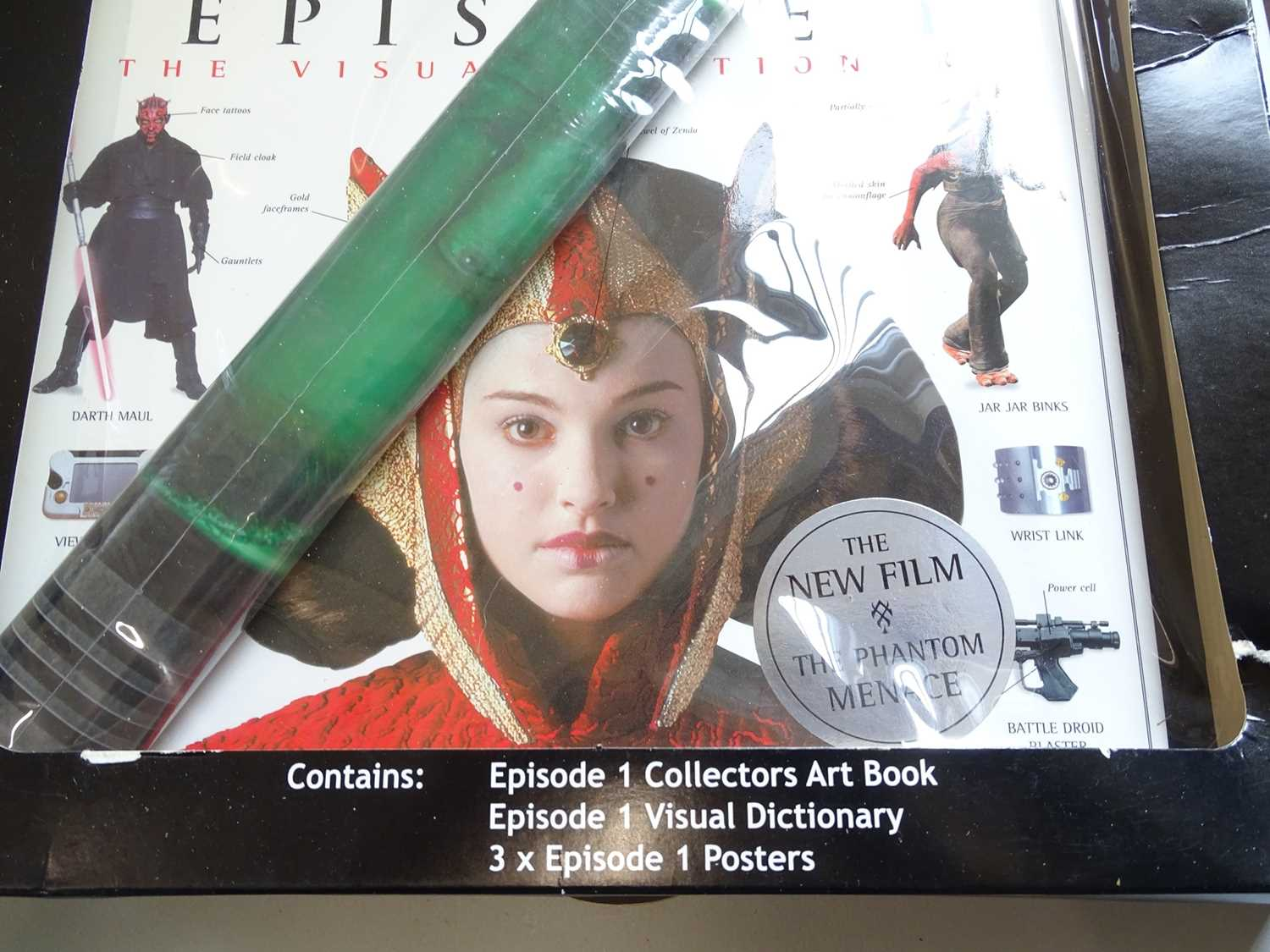 A large group of STAR WARS collectable items including a Darth Vader money bank together with books, - Image 3 of 8