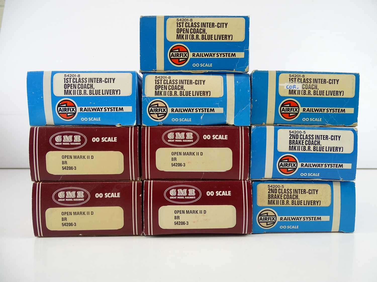 A group of OO Gauge MK2 coaches by AIRFIX all in Intercity blue/grey livery - G/VG in G boxes (10) - Image 2 of 2
