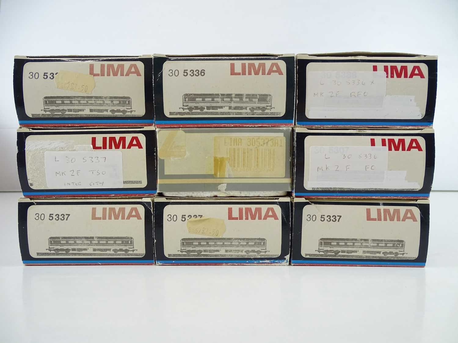 A group of OO Gauge LIMA Mark 1 and Mark 2 passenger coaches Intercity liveries - VG in G boxes (9) - Image 2 of 2