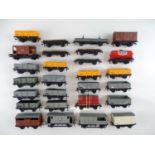 A group of unboxed OO Gauge HORNBY DUBLO wagons - G (unboxed) (27)