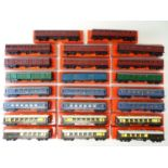 A large group of TRI-ANG OO Gauge passenger coaches all in repro boxes - G in G boxes (23)