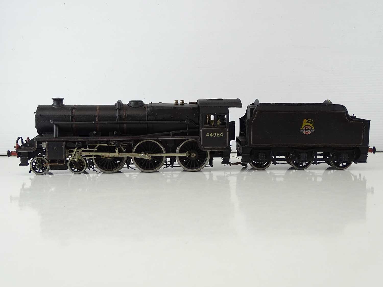 A kitbuilt O Gauge finescale Black 5 steam locomotive in BR black livery numbered 44964, vendor - Image 2 of 6