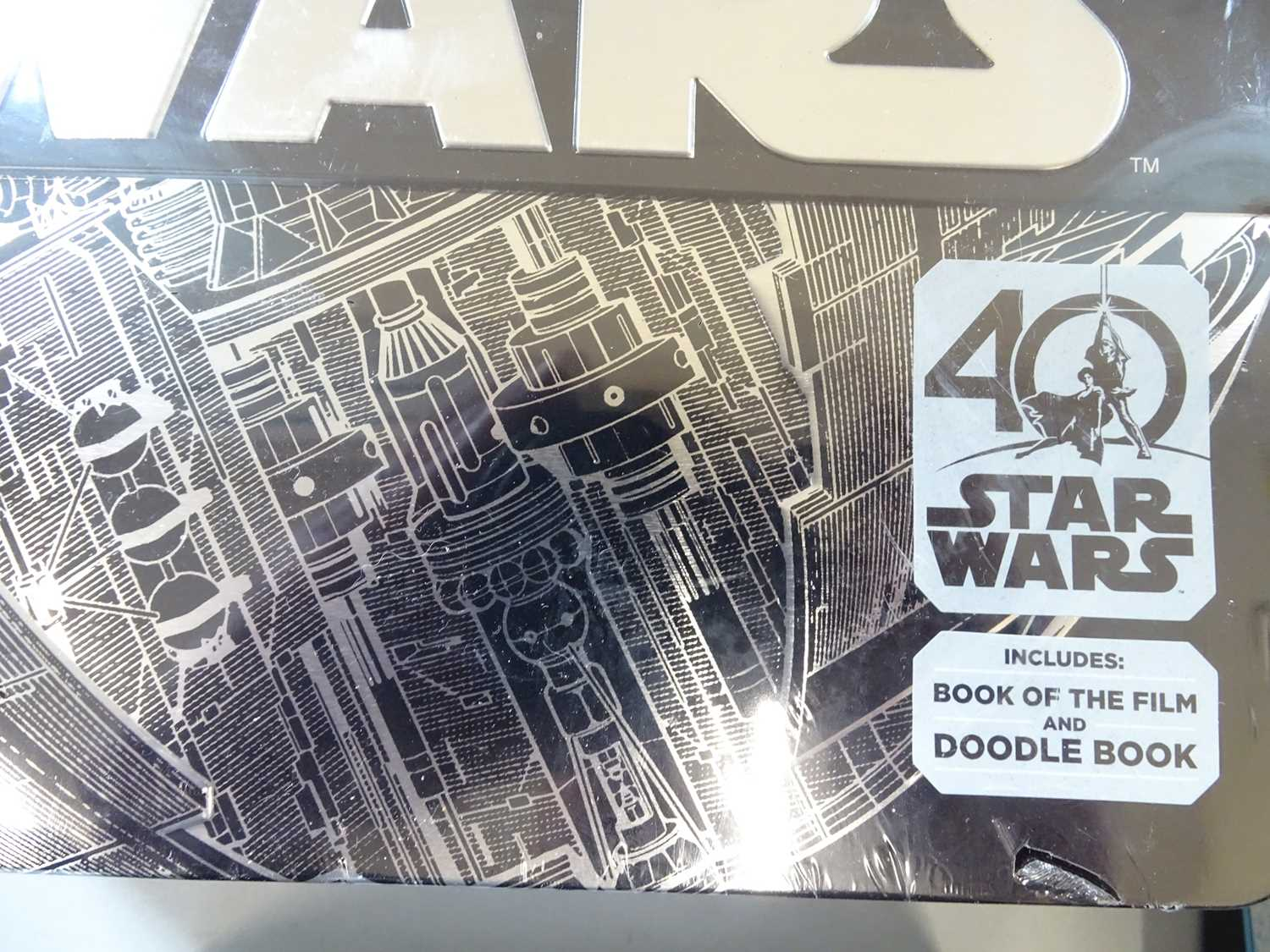 A large group of STAR WARS collectable items including a Darth Vader money bank together with books, - Image 5 of 8
