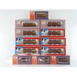 A group of LIMA HO Gauge South African Outline hopper wagons in SAR brown livery - VG in F/G