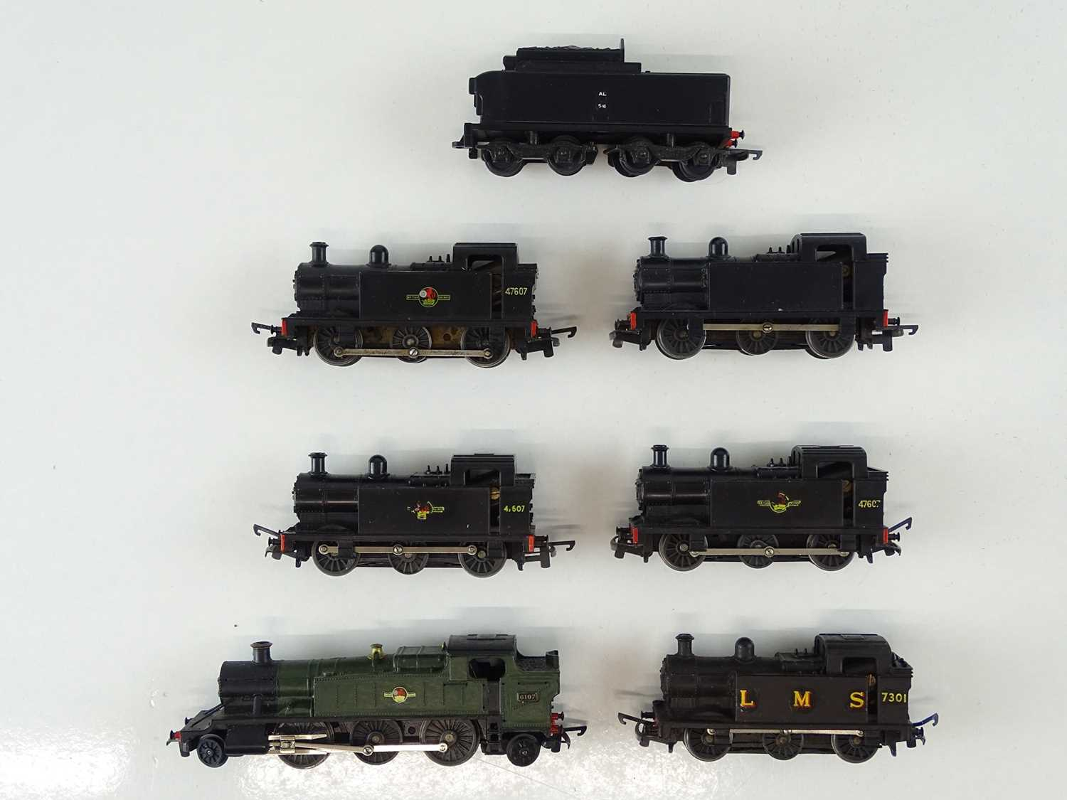 A group of TRI-ANG TT Gauge steam locos comprising 5 x 0-6-0 tanks, a Prairie and a tender for a
