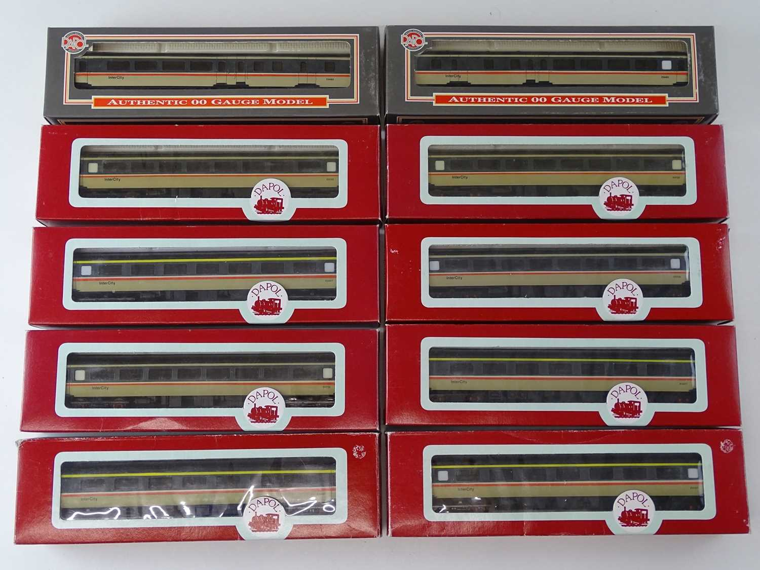 A group of DAPOL Mk2 coaches in Intercity livery - VG in G boxes (10)