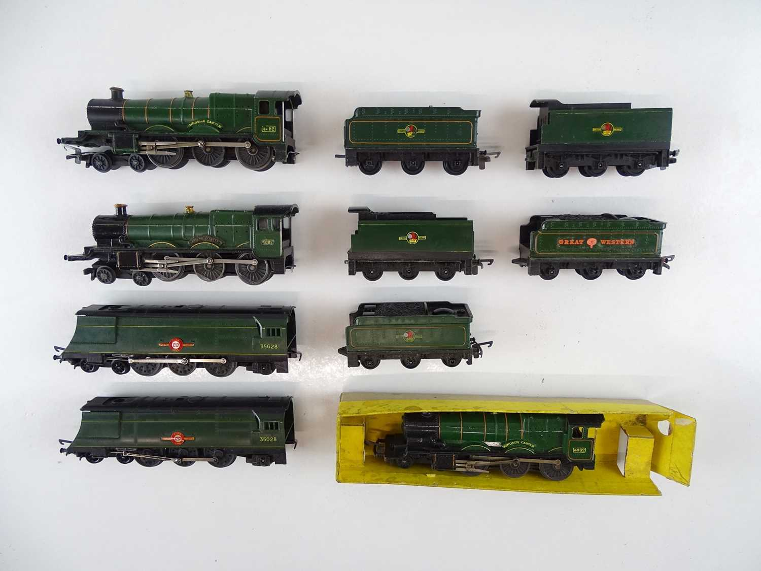 A group of unboxed TRI-ANG TT Gauge steam locomotives comprising 3 x Castle Class and 2 x Merchant