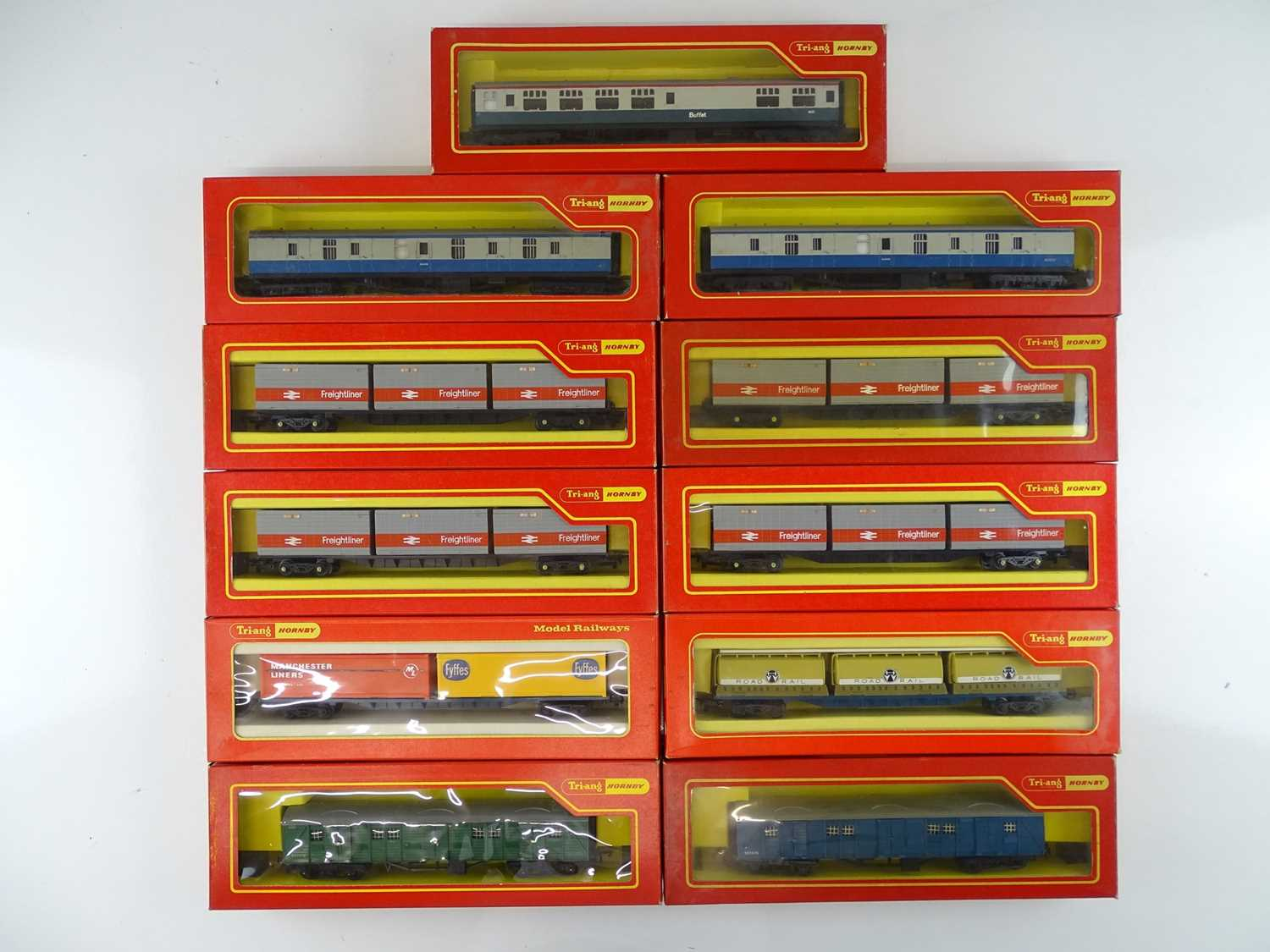 A group of OO Gauge TRI-ANG HORNBY coaches and wagons as lotted - G/VG in G boxes (11)