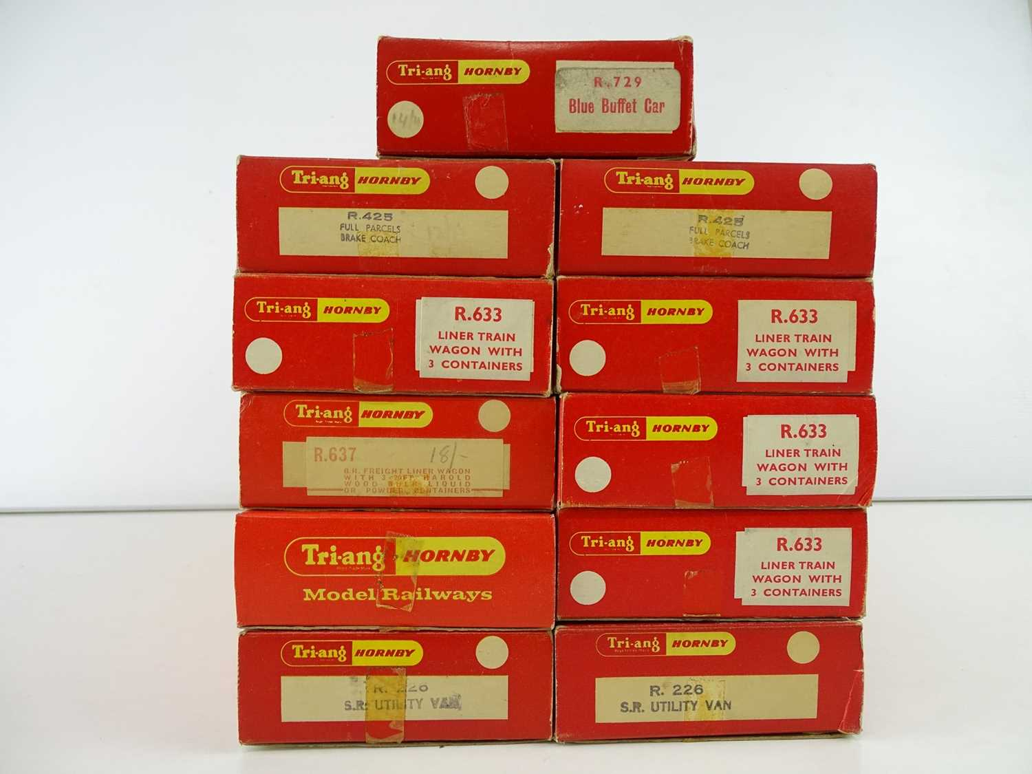 A group of OO Gauge TRI-ANG HORNBY coaches and wagons as lotted - G/VG in G boxes (11) - Image 2 of 2