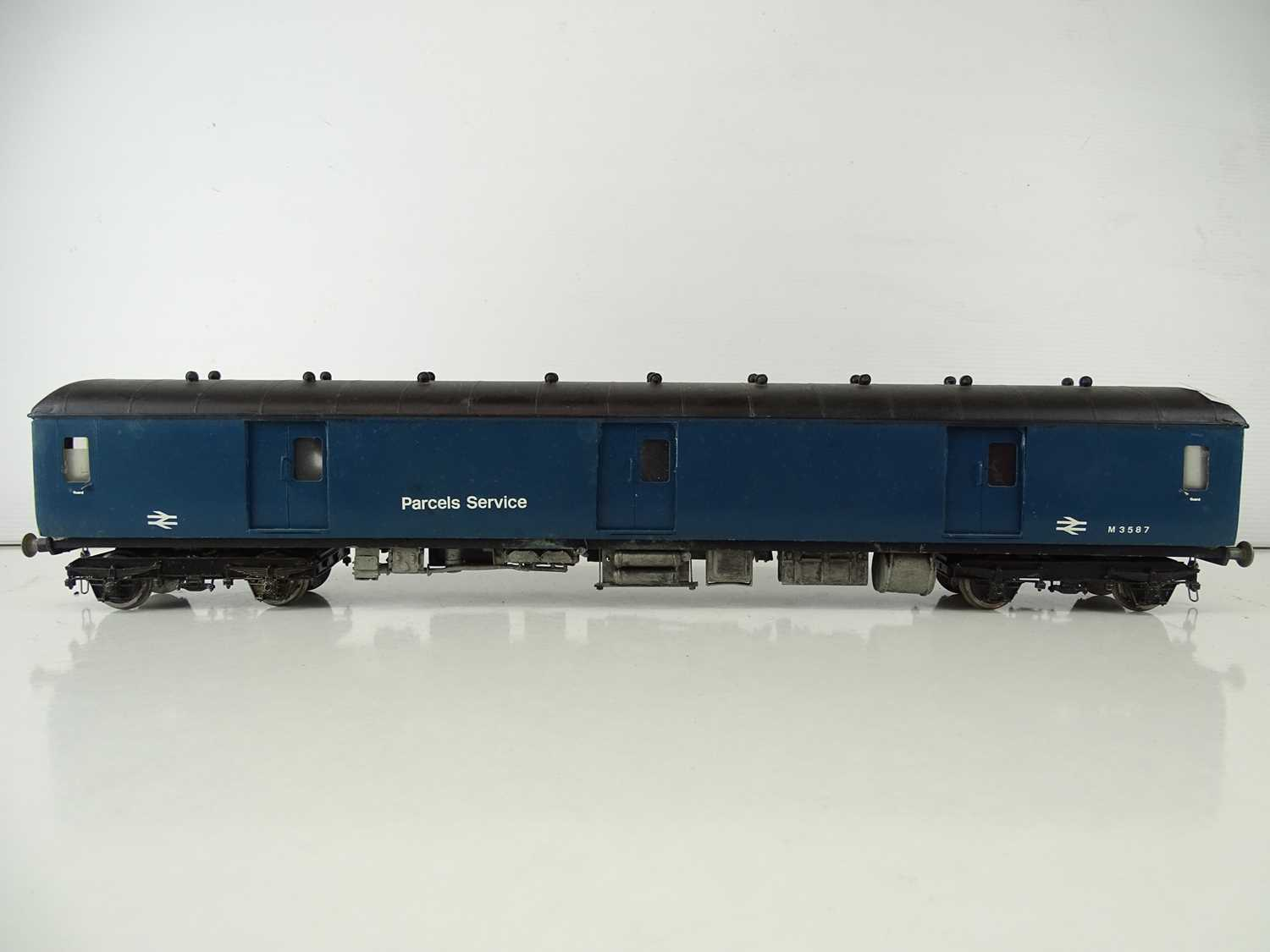 A kitbuilt O Gauge finescale Class 128 Diesel Parcels Railcar in BR blue livery - G/VG in a plain - Image 3 of 5