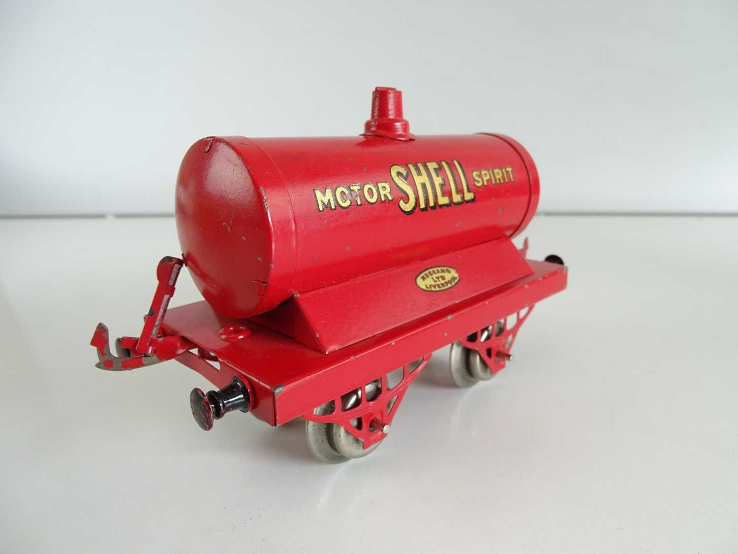 A pair of early HORNBY SERIES O Gauge petrol tank wagons comprising National Benzole and Shell - - Image 3 of 4