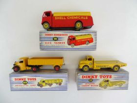 A pair of DINKY lorries comprising 409 and 933 F/G in F/G boxes, together with a 991 (a/f - mazak