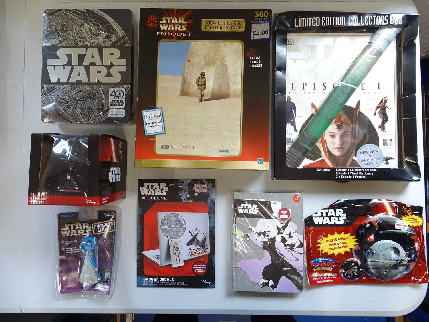 A large group of STAR WARS collectable items including a Darth Vader money bank together with books, - Image 2 of 8
