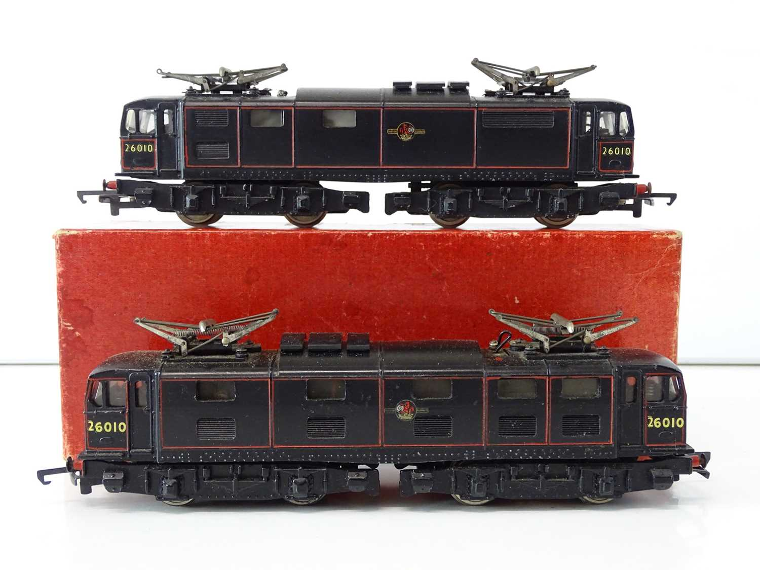 A pair of TRIX OO Gauge Class EM1 electric locomotives in BR black livery (one boxed) - G in F/G box - Image 2 of 3