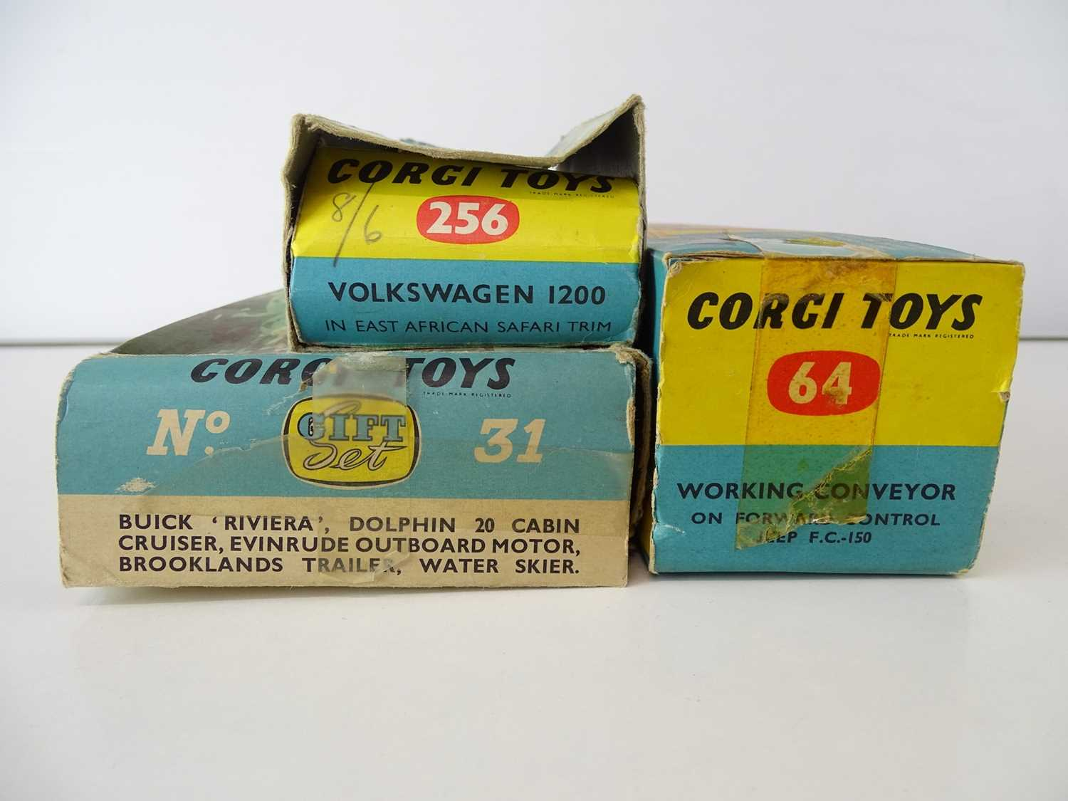 A group of CORGI Toys to include a Riviera Gift Set - F/G in P/F boxes (3) - Image 2 of 2