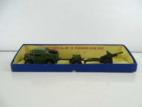 A DINKY 697 25-Pounder Gun set in original yellow picture box - G in G box