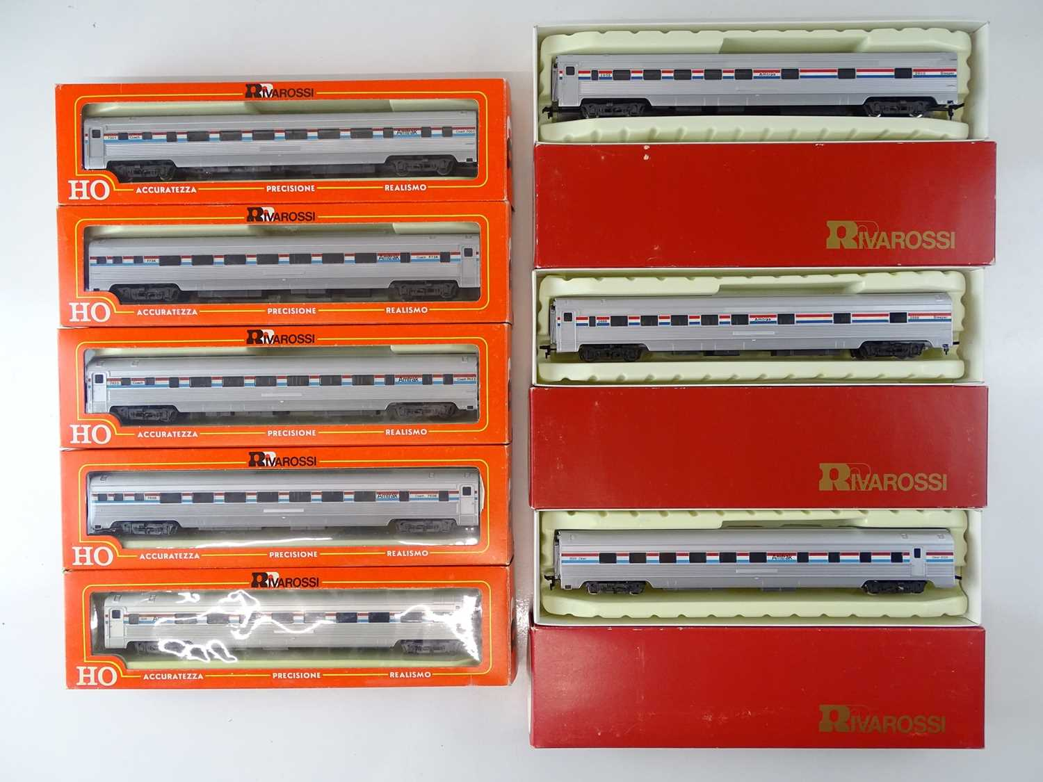 A group of RIVAROSSI American Outline HO Gauge Budd passenger coaches all in Amtrak livery - VG in G