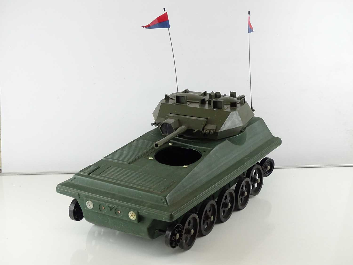 A quantity of 1970s era ACTION MAN accessories to include a tank (A/F), a horse and a helicopter - G - Image 2 of 4