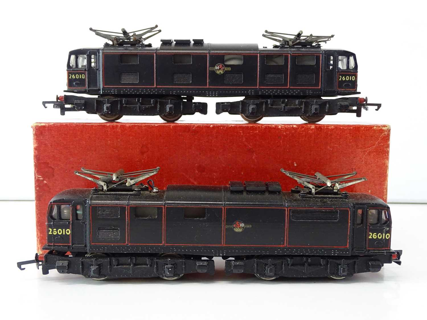 A pair of TRIX OO Gauge Class EM1 electric locomotives in BR black livery (one boxed) - G in F/G box