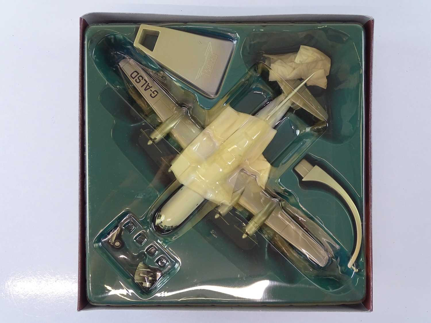 A group of CORGI AVIATION ARCHIVE 1:144 scale Classic Propliners Series Propellor Aircraft - VG in G - Image 5 of 10