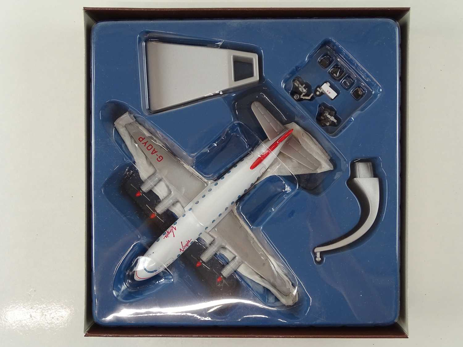A group of CORGI AVIATION ARCHIVE 1:144 scale Classic Propliners Series Propellor Aircraft - VG in G - Image 7 of 10