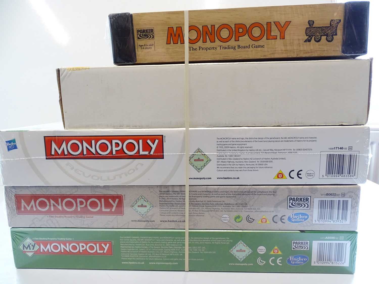 A group of Monopoly sets, all sealed as new, to include anniversary and boxed editions - VG/E in