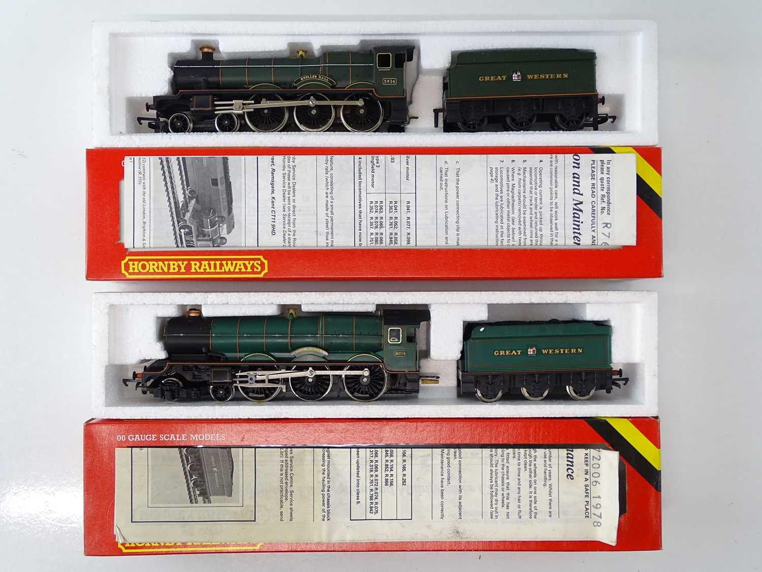 A pair of HORNBY OO Gauge steam locomotives comprising 'Kneller Hall' and 'King Edward I' both in - Image 2 of 3