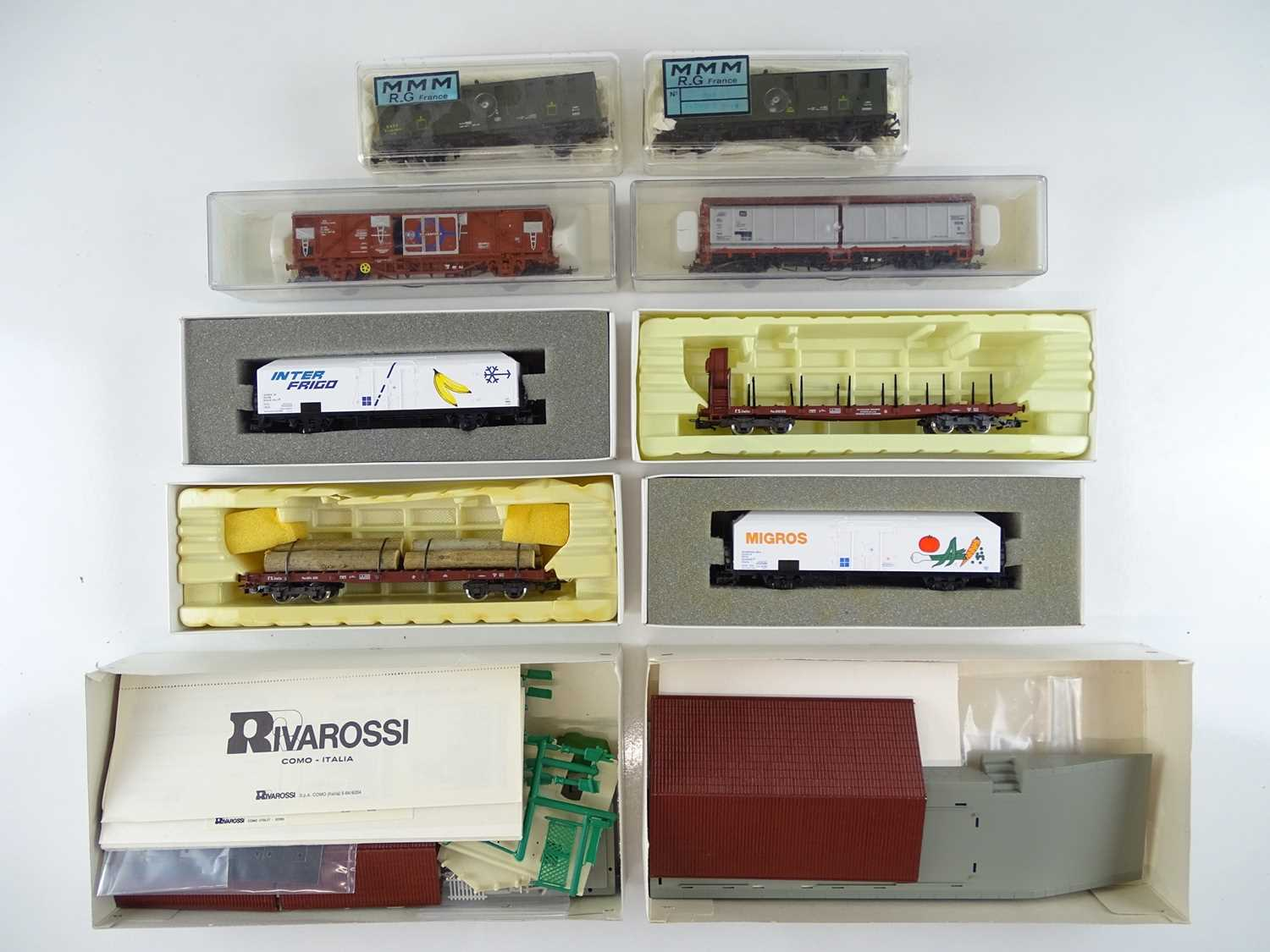 A group of French and Italian Outline HO Gauge goods wagons by RIVAROSSI, ELECTROTREN and MMM - - Image 2 of 5