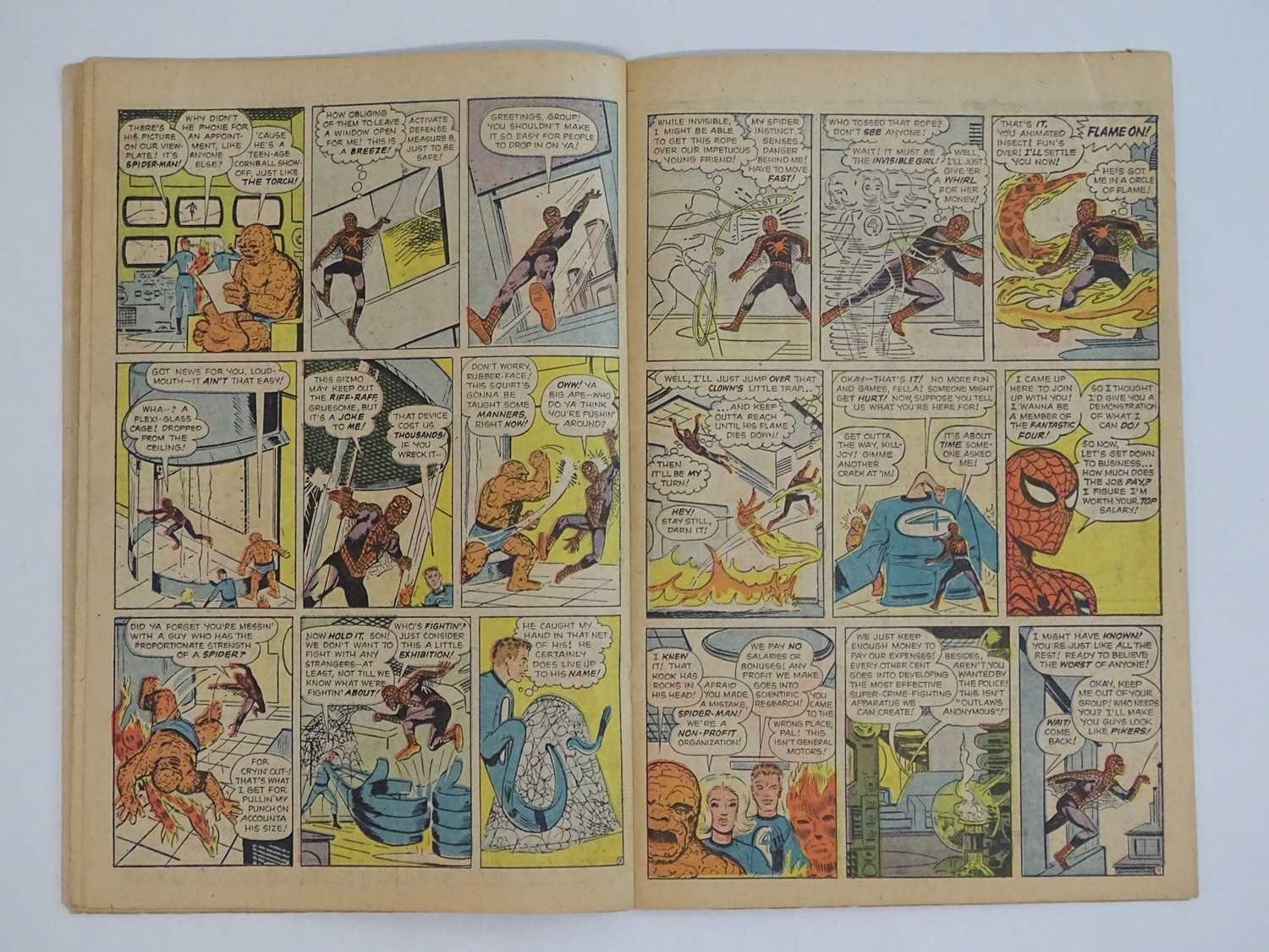 AMAZING SPIDER-MAN #1 - (1963 - MARVEL - UK Price Variant) - First appearance of Spider-Man un his - Image 21 of 27