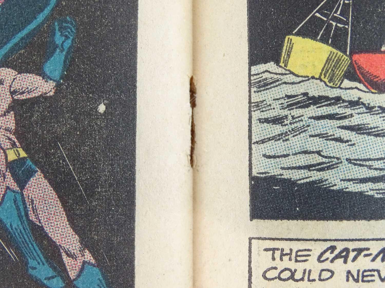 DETECTIVE COMICS: BATMAN #318 - (1963 - DC - UK Cover Price) - Second appearance of Cat-Man + - Image 6 of 10
