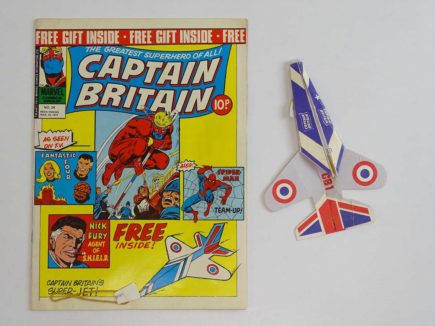 CAPTAIN BRITAIN #1 to 39 - (39 in Lot) - (1976/77 - BRITISH MARVEL) - Complete 39 issue run from # - Image 11 of 11