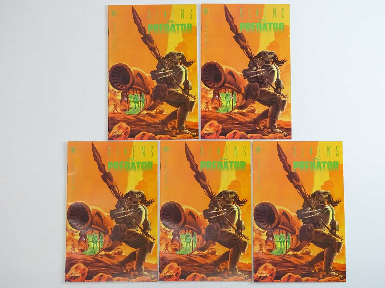 ALIENS VS PREDATOR #1 - (5 in Lot) - (1990 - DARK HORSE) - First Printing - Five (5) #1 issues for