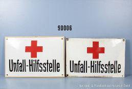 """Konv. 2 Emailleschilder, jeweils """"Unfall-Hilfsstelle"""", teilweise stärker restauriert, 1 x..."""