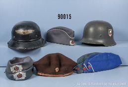 Konv. 9 Kopfbedeckungen, versch. Länder und Epochen u.a. 2 Stahlhelme, jeweils mit...