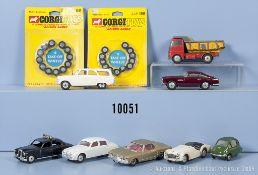 Konv. 8 Corgi Toys Modellfahrzeuge, u.a. Aston Martin DB 4, Triumph TR 3, Ford Zephyr, ...