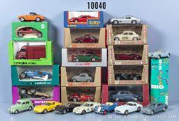 Konv. 24 Modellfahrzeuge, dabei Oldtimer, Sportwagen usw., M 1:43, Metallausf., ...