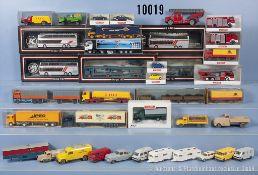 Konv. ca. 90 überwiegend H0 Modellfahrzeuge, dabei Sattelzüge, Lastzüge, Pkw, Oldtimer ...