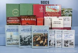 umfangreiches Konv. (4 Bananenkisten) überwiegend Militärliteratur (NK) u.a. 6 Bände ...