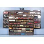 Konv. über 160 H0 Modellfahrzeuge, dabei Lkw, Einsatzfahrzeuge, Omnibusse, Pkw und ...