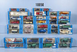 Konv. 35 Roco H0 Modellfahrzeuge und Ersatzteile, dabei Lkw, Omnibusse, ...