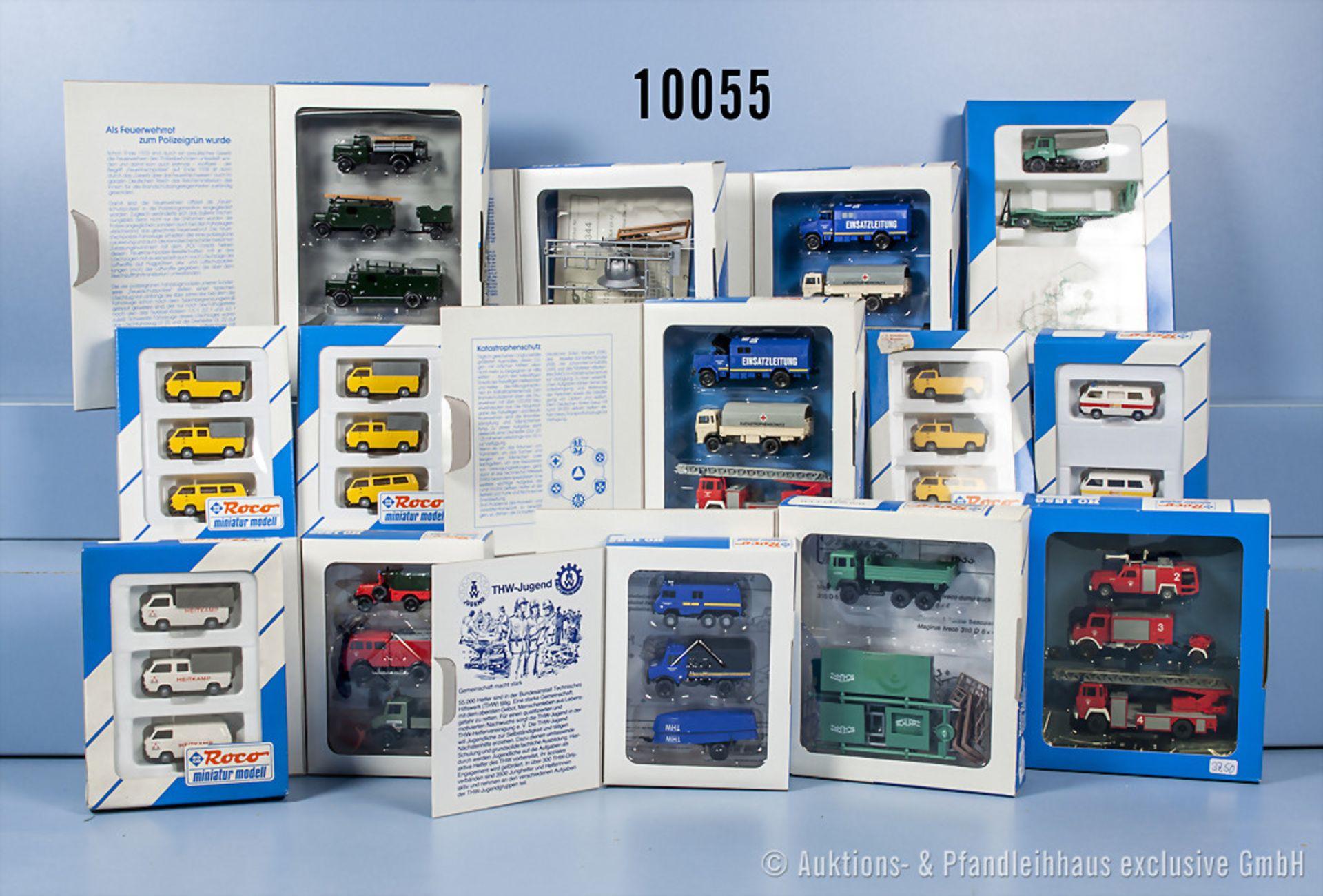 Konv. 28 Roco H0 Setpackungen, dabei  Einsatzfahrzeuge, Transporter usw., guter Zustand ...