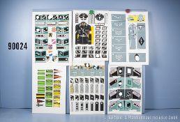 Konv. 8 originale farbige Zeichnungen zum Thema Uniformierung und Effekten der ...