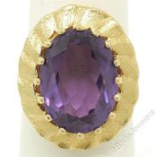 Vintage 14kt Yellow Gold Oval Synthetic Alexandrite Ring w/ Textured Halo