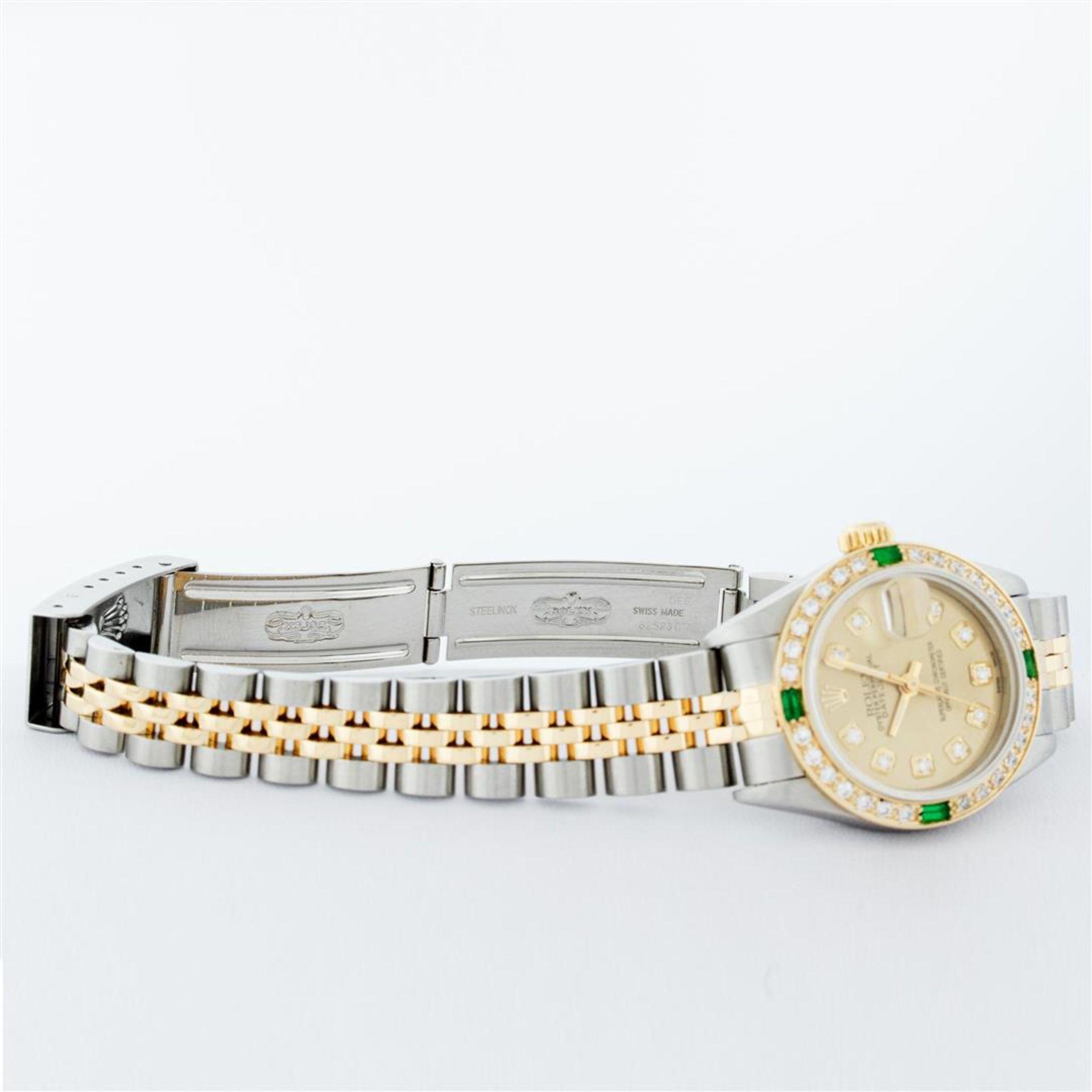 Rolex Ladies 2 Tone 18K Quickset Champagne Diamond & Emerald Datejust Wristwatch - Image 7 of 9
